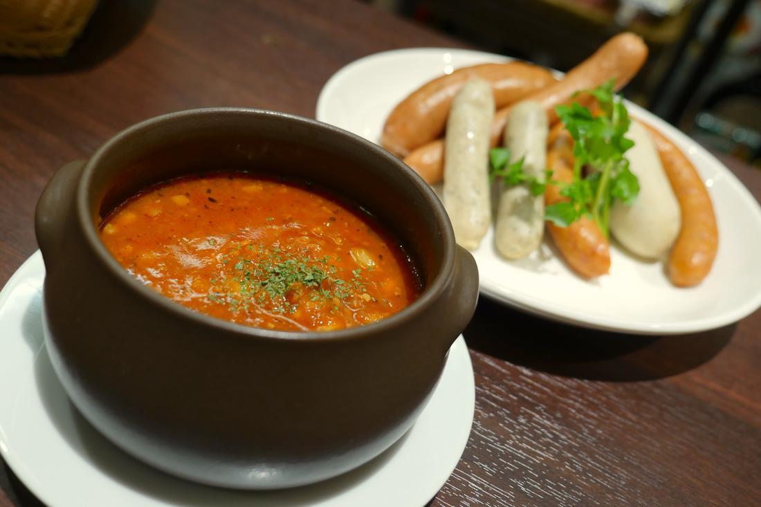 鷹嘴豆和大豆番茄湯